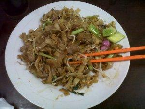 Kue Tiaw nya lumayan, meski kurang asin :D