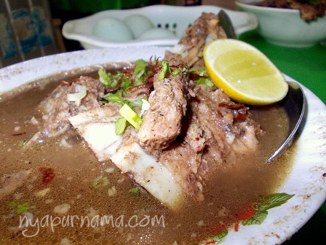 yummy juicy Konro di RM WAHYU.. ihiiy