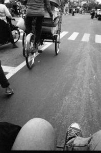 ini fotonya Fajar waktu naik becak kemarin x)